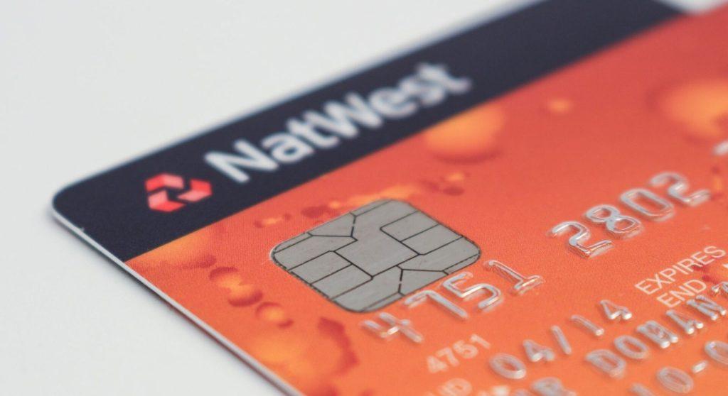 台湾のコンビニATMでP-oneカード(MasterCard)を使ってのキャッシングと返済方法と手数用を紹介