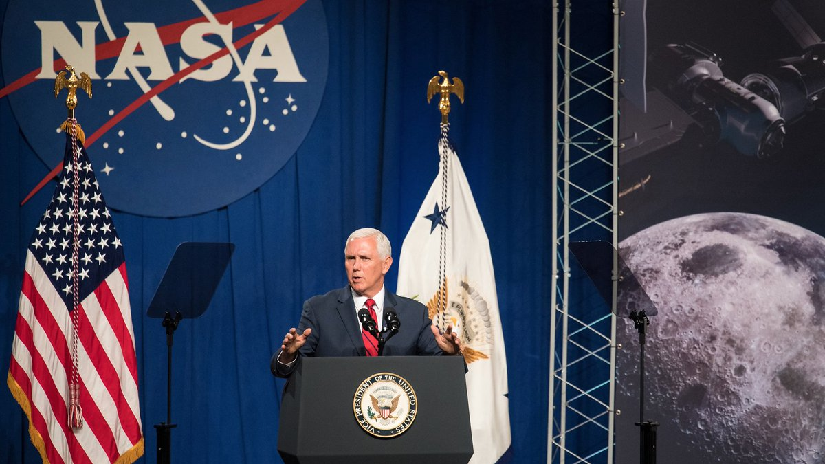 We're excited to host @VP Pence & Administrator @JimBridenstine tomorrow for a tour of our world-class research center! Tune in to NASA TV at 11:45am PT for live remarks about our #Artemis program & plans to return astronauts to the Moon in 2024. Details: https://go.nasa.gov/2Qfn9jO