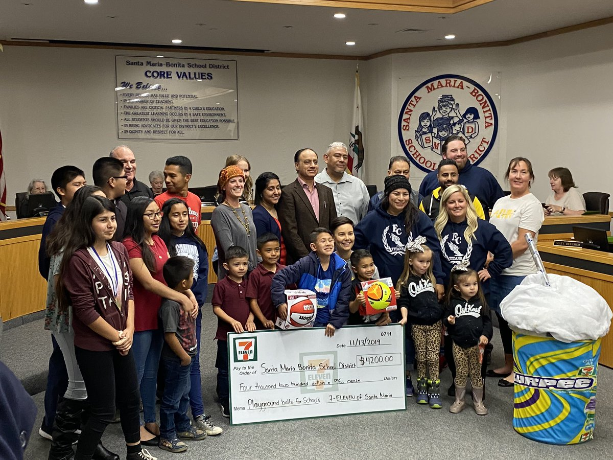 Local 7-11 franchise owners have awarded SMBSD PE teachers a grant for $4,266 for PE equipment to support our students. #SMBSDFAMILY #familiaSMBSD