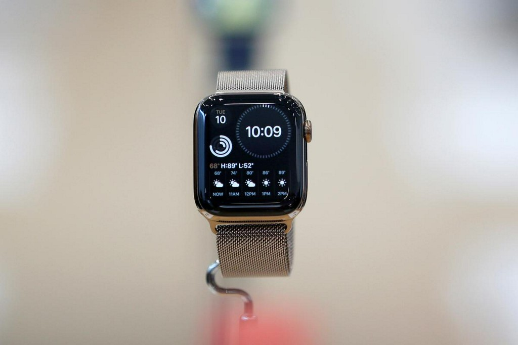 Apple Watch detects irregular heartbeats in U.S. study