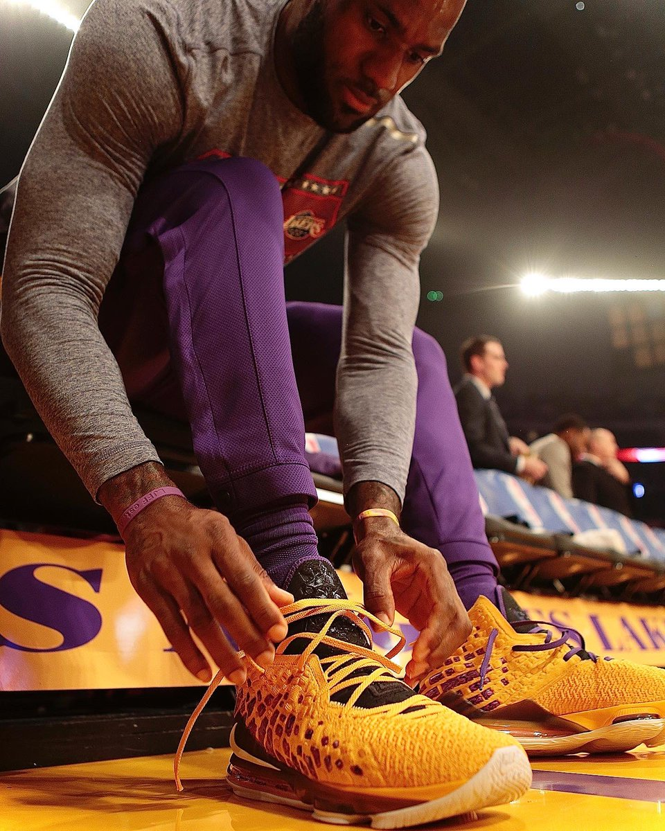 LeBron with a new Nike LeBron 17 colorway at home!   #NBAKicks #LakeShow