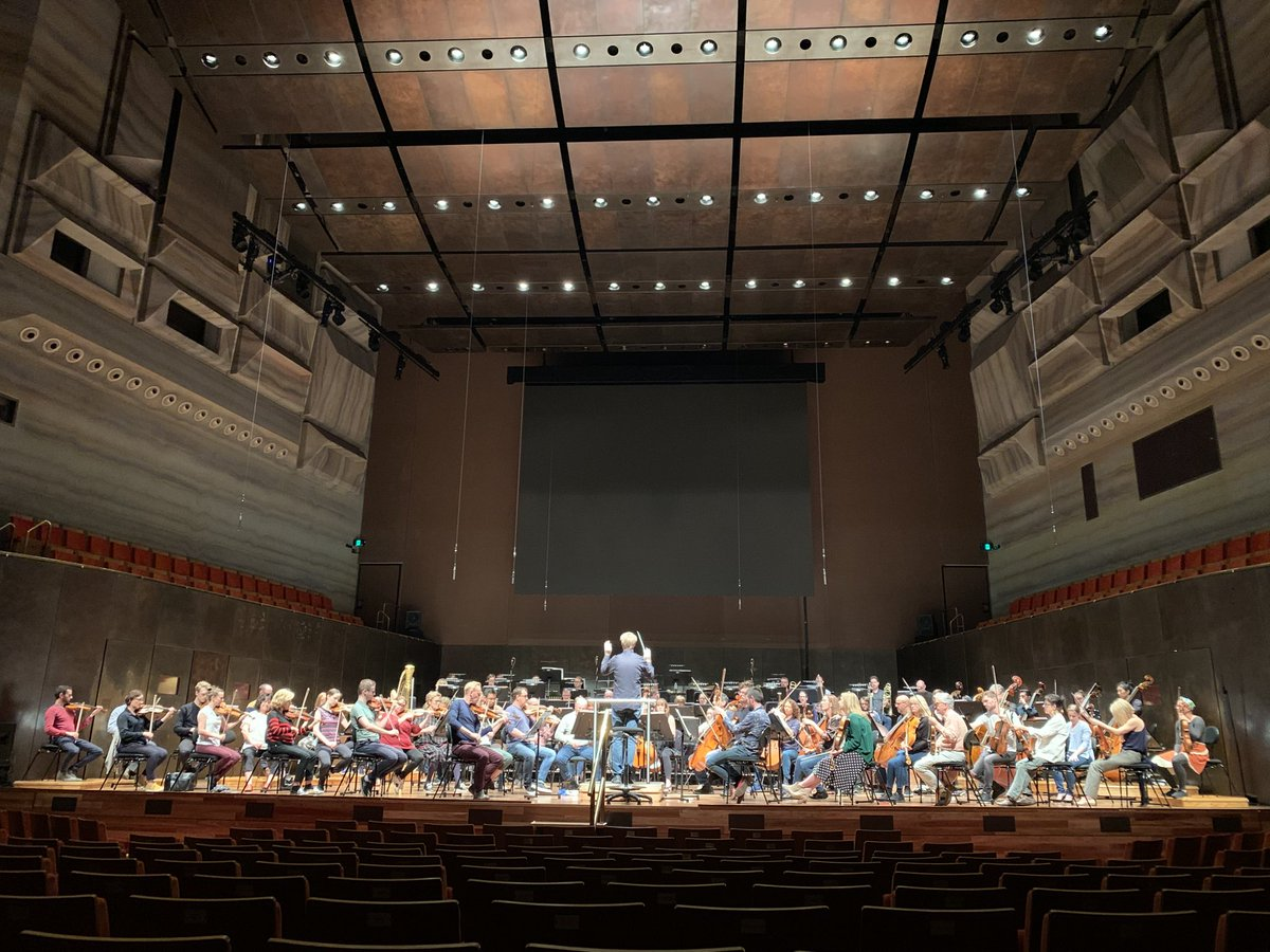 Rehearsing with the Melbourne Symphony Orchestra for an evening exploring what it means to live finite lives on a fragile, rare world adrift in an infinite Universe. Music by Mahler, Sibelius and a 'A Brief History of Time' by Paul Dean. First night tomorrow :-)