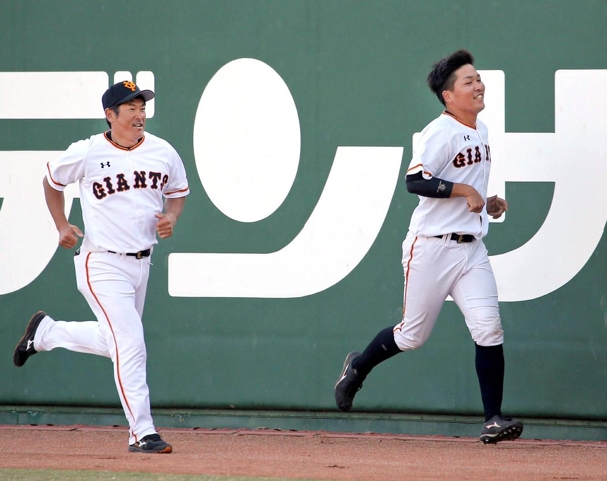 練習試合でサインミスを犯した石井琢朗コーチが罰走! 元木ヘッド苦笑い  #巨人 #ジャイアンツ #giants