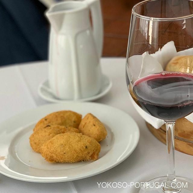 test ツイッターメディア - 干し鱈のコロッケ。ポルトガル人のソウルフード。 #ポルトガル料理 https://t.co/9BAXIIGFh3