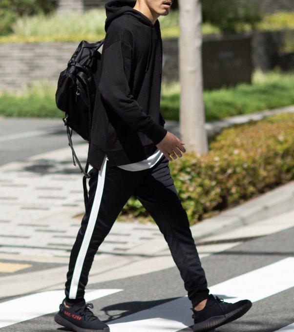 test ツイッターメディア - 流行っているジャージを取り入れた服装でハプバーに行ったら、「部屋着?」「パジャマみたい」「体操服?」ってボロカスに言われたので、ジャージは封印しました。  ハプニングバーの女性からのアドバイスはメンズファッション誌よりも参考になります。 https://t.co/e5vvIFrrpw