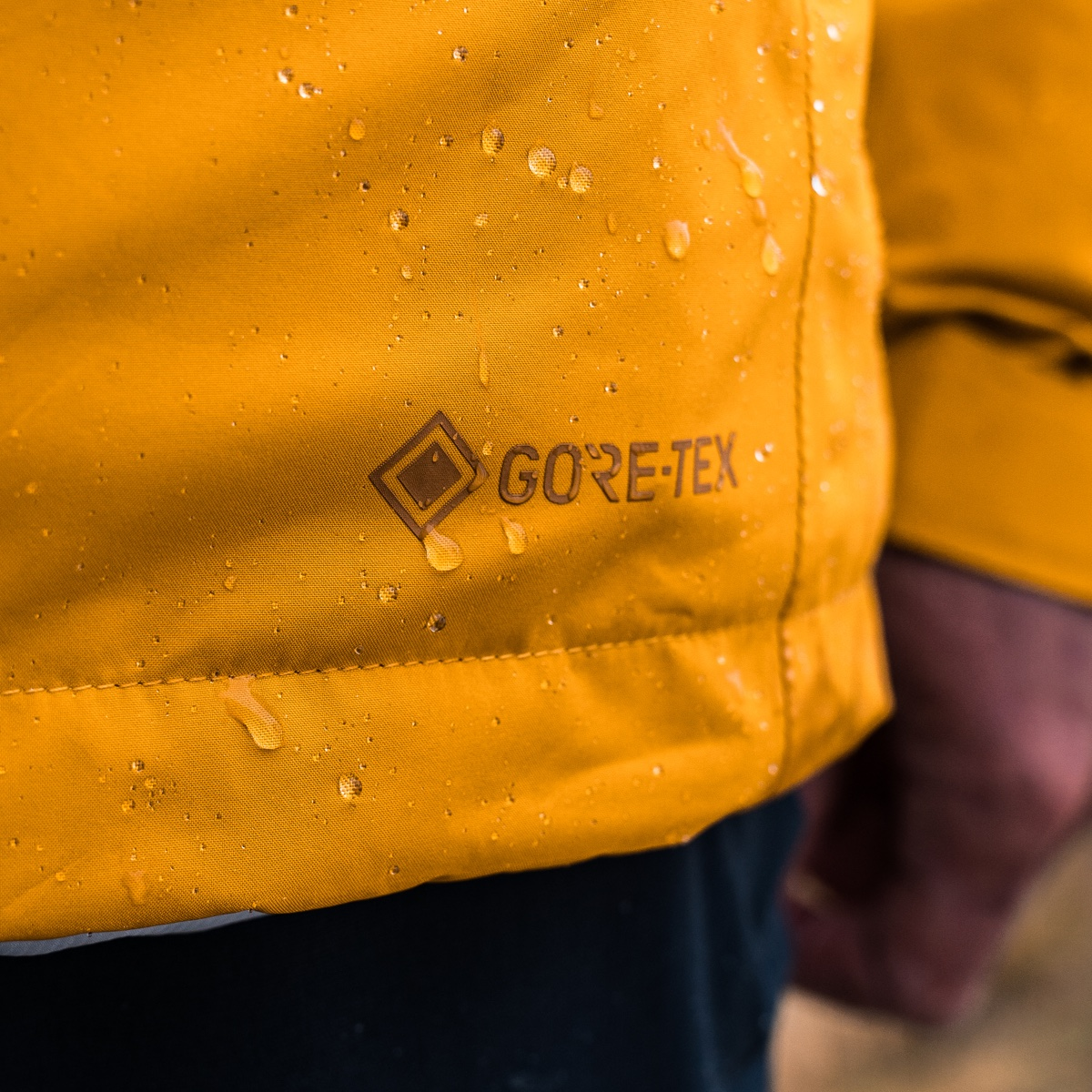 Layer up & stay warm and dry with the original #GORETEX products: #waterproof, #windproof and #breathable. So that youre always properly protected, regardless of the weather. Find the right layers with the new @mammut layering guide: gtx.to/2OexTwl #TestedForLife