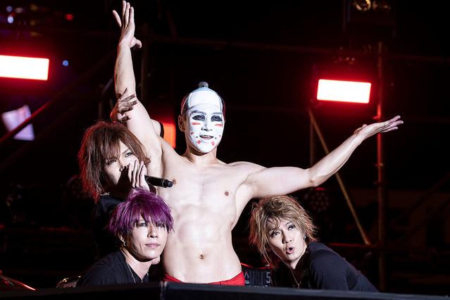 【紅白会見の裏で】ゴールデンボンバー、12/28に新アルバム『もう紅白に出してくれない』をリリース