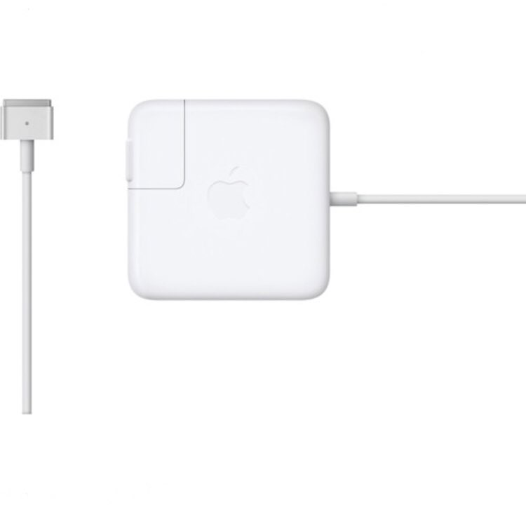 Good morning 🌞 my people! 🚨Grab your various types of MacBook Pro or Air 💻 MagSafe2 chargers 🔌 at a cool price of 200 cedis 🇬🇭!🉑Delivery service 🚚 is available & store pick up as well. Grab all your accessories at #TheBest place at cool prices.