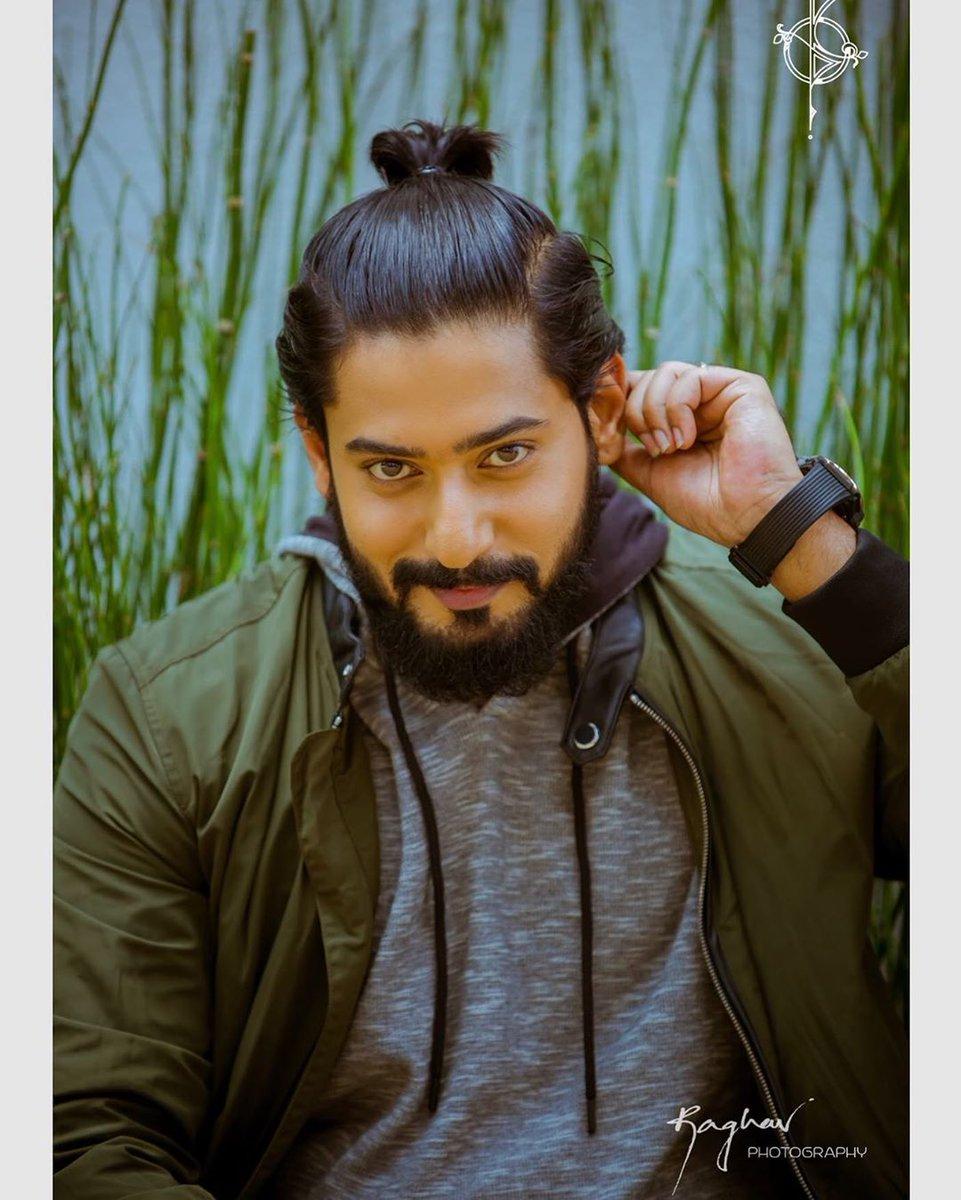 Latest picture of actor #PrajwalDevaraj   Follow us on : @KFNofficial   #Sandalwood #KannadaFilmNagar #LatestKannadaMovies #KannadaCelebs #KFN #Celebs #Actor #LatestPicture #Updatespic.twitter.com/lynQkYxYZK