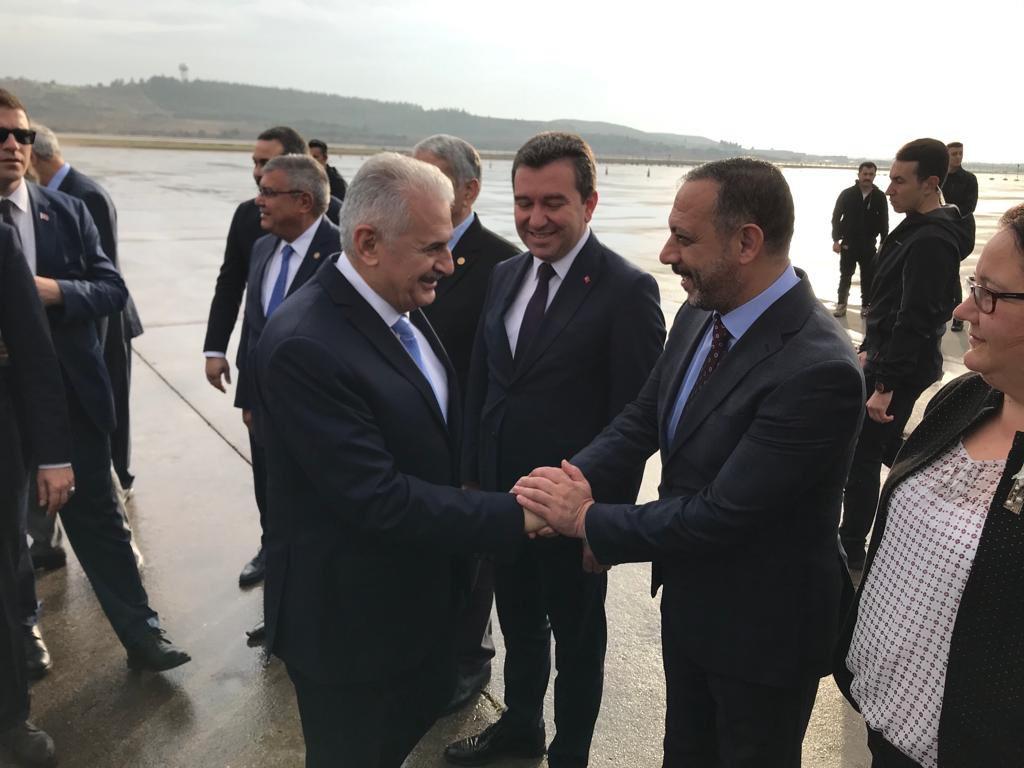 Son Başbakanımız, hizmet adamı, İzmir'imizin gururu Sn. Binali Yıldırım'ı Adnan Menderes havalimanında karşıladık. <br>http://pic.twitter.com/OqPm72qjjU
