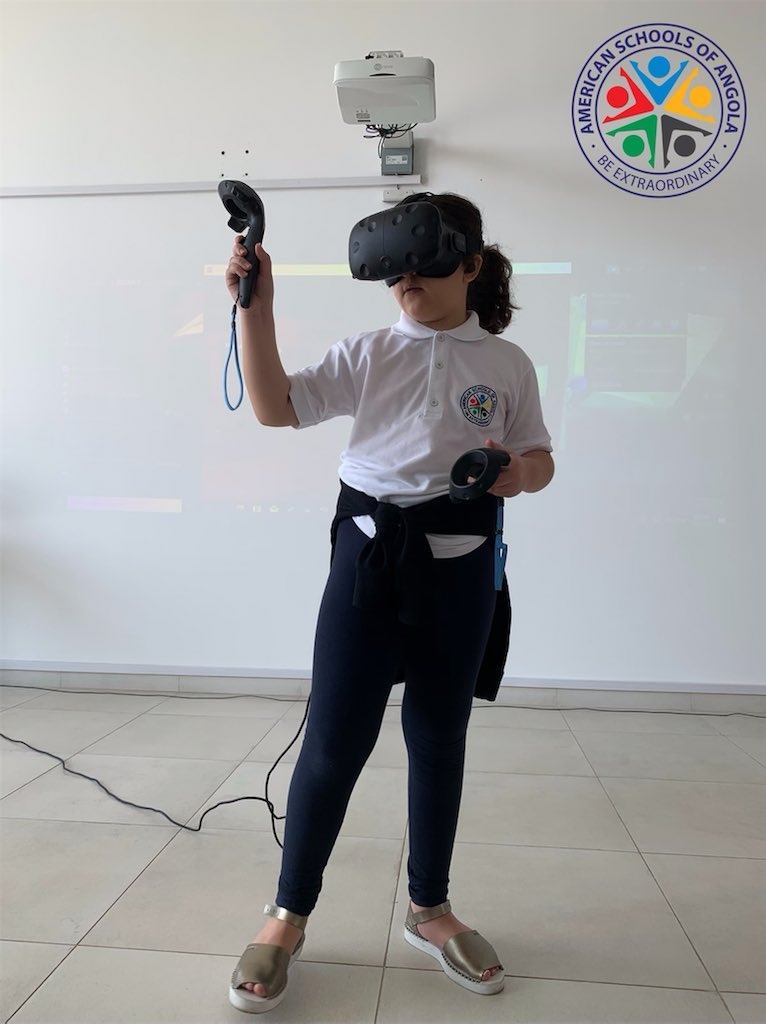 ASA students experience fully immersive, room scale VR that truly transports you to other worlds and spaces taking learning to the next level. #WeDoSchoolDifferently #BeExtraordinary #ASAGlobalLearners #ASAExplorers #explorepage