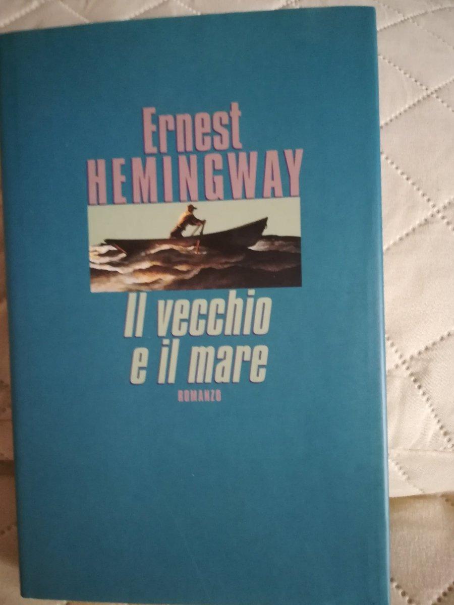 #LeggoHemingway