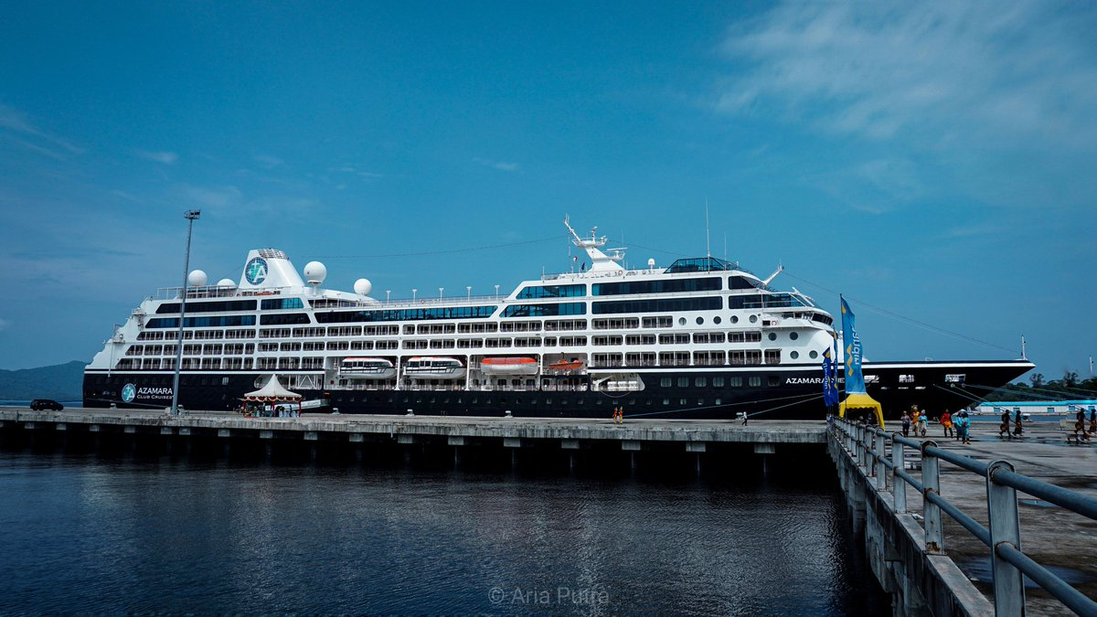 Azamara Quest Cruise Ship 🚢@kemenpar @genpisabang @genpi_aceh @pesonaid_travel @pesonaacehid @wishnutama @wonderful@wonderfulaceh @thelightofaceh_ @ceritadestinasi.#cruise #azamara #azamaraquest #pesonaindonesia #wonderfulindonesia #thelightofaceh #sabang #tourism #sony