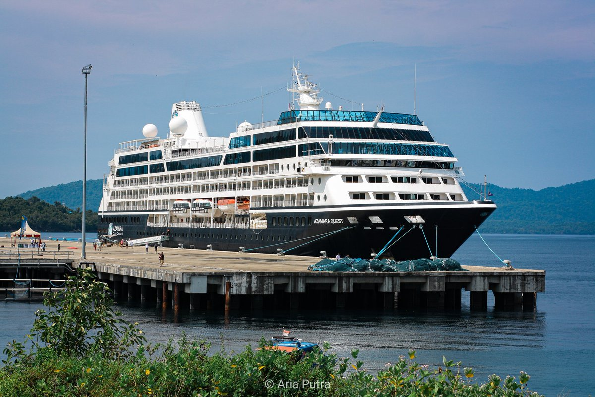 Azamara Quest Cruise Ship 🚢.@kemenpar @genpi_sabang @genpi_aceh @pesonaid_travel @pesonaacehid @wishnutama @wonderful@thelightofaceh_ @ceritadestinasi.#cruise #azamara #azamaraquest #pesonaindonesia #wonderfulindonesia #thelightofaceh #sabang #tourism  #sony