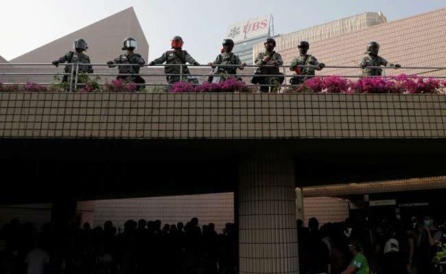 Chinese state media deletes Hong Kong curfew tweet.https://www.ndtv.com/world-news/chinese-state-media-deletes-hong-kong-curfew-tweet-2132446…