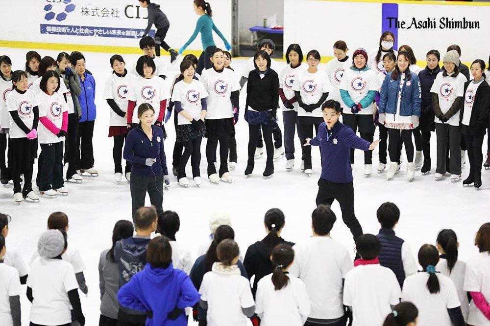 「引退と発表したわけじゃないし、(競技に)戻るつもりではいる。自分たちにとって五輪は特別。北京冬季五輪が近づくにつれて、1年くらいのスパンで準備したい」。写真は今日のスケート教室です。#フィギュアスケート #シブタニ