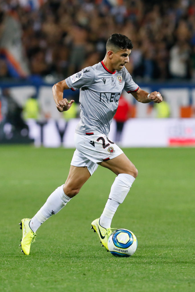 Most successful dribbles by defenders in Europe's top five leagues this season:   Y. Atal -- 44 (Nice)  A. Hakimi -- 30 (Borussia Dortmund)  E. Stevens -- 27 (Sheffield United)   http:// wscrd.co/Statistics    <br>http://pic.twitter.com/bp9wLLA5FX