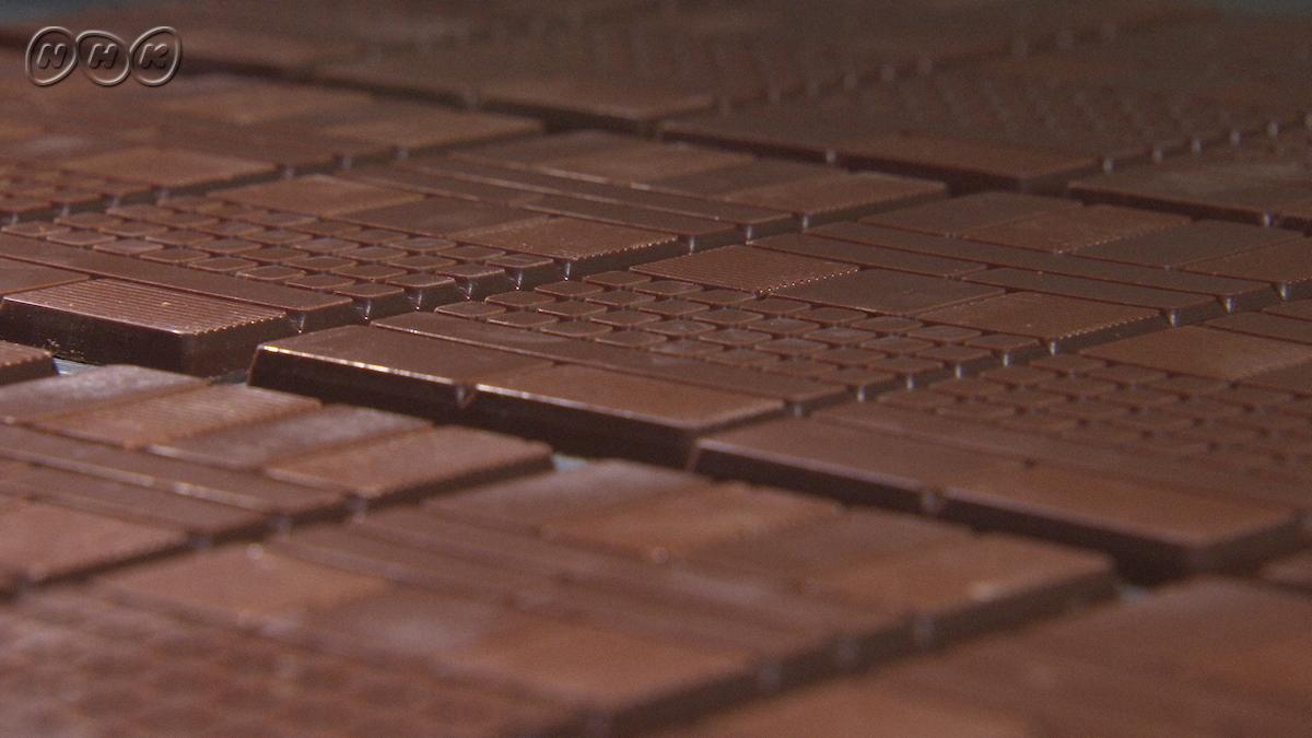 【番組予告文より】『チョコレートは今、カカオの産地ごとの味や香りを楽しむ「ビーントゥーバー」の時代』だそうです。ビーントゥーバー…もちろん、知ってま…。美の壺「カカオの誘惑 チョコレート」15(金)夜7:30[BSプレミアム]▼まぁ、抹茶とチョコ♪▼