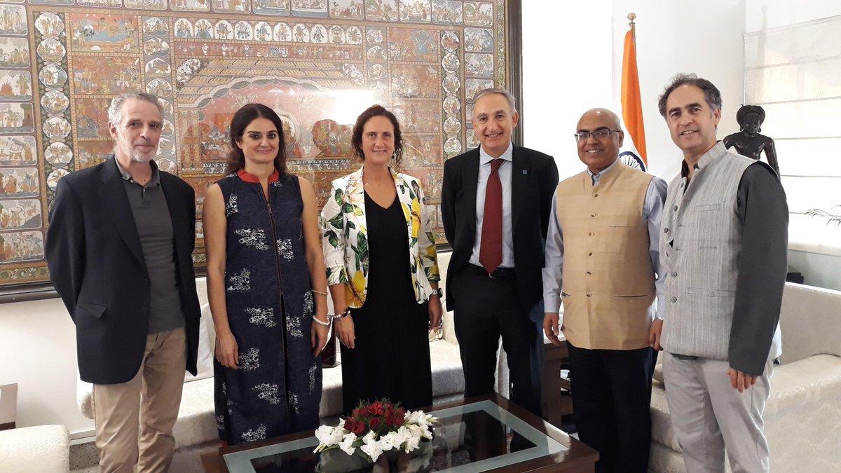 El Director del @ICCR_Delhi recibió una delegación de #Valladolid en #NewDelhi liderada por el Rector de @UVa_es y Presidente de #CasadelaIndia Prof. Antonio Largo bajo el programa de visitantes académicos del ICCR. @IndiainSpain @AyuntamientoVLL @GoValladolid @hoyvalladolid