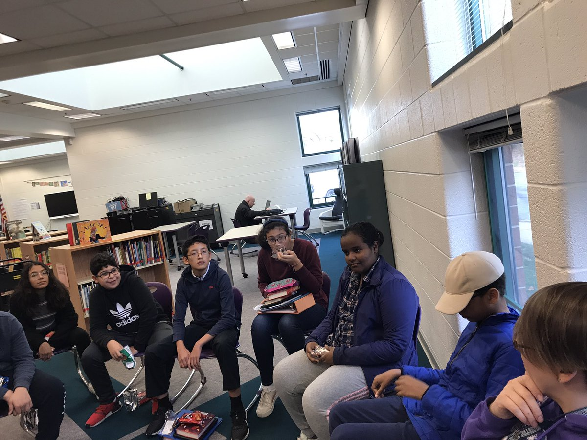 RT <a target='_blank' href='http://twitter.com/EquitySmith'>@EquitySmith</a>: As we prepare to meet <a target='_blank' href='http://twitter.com/AcevedoWrites'>@AcevedoWrites</a> students discuss With The Fire on High <a target='_blank' href='https://t.co/jHmo2G4eNK'>https://t.co/jHmo2G4eNK</a>