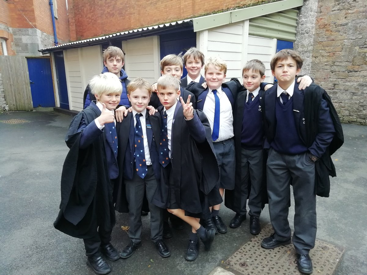 Well done to our chorister chaps on their BBC Radio 3 slot! Broadcast live yesterday and available on repeat on Sunday at 3.30pm. #Radio3 #choristers @BBCRadio3 https://t.co/22p9Mi6WYm