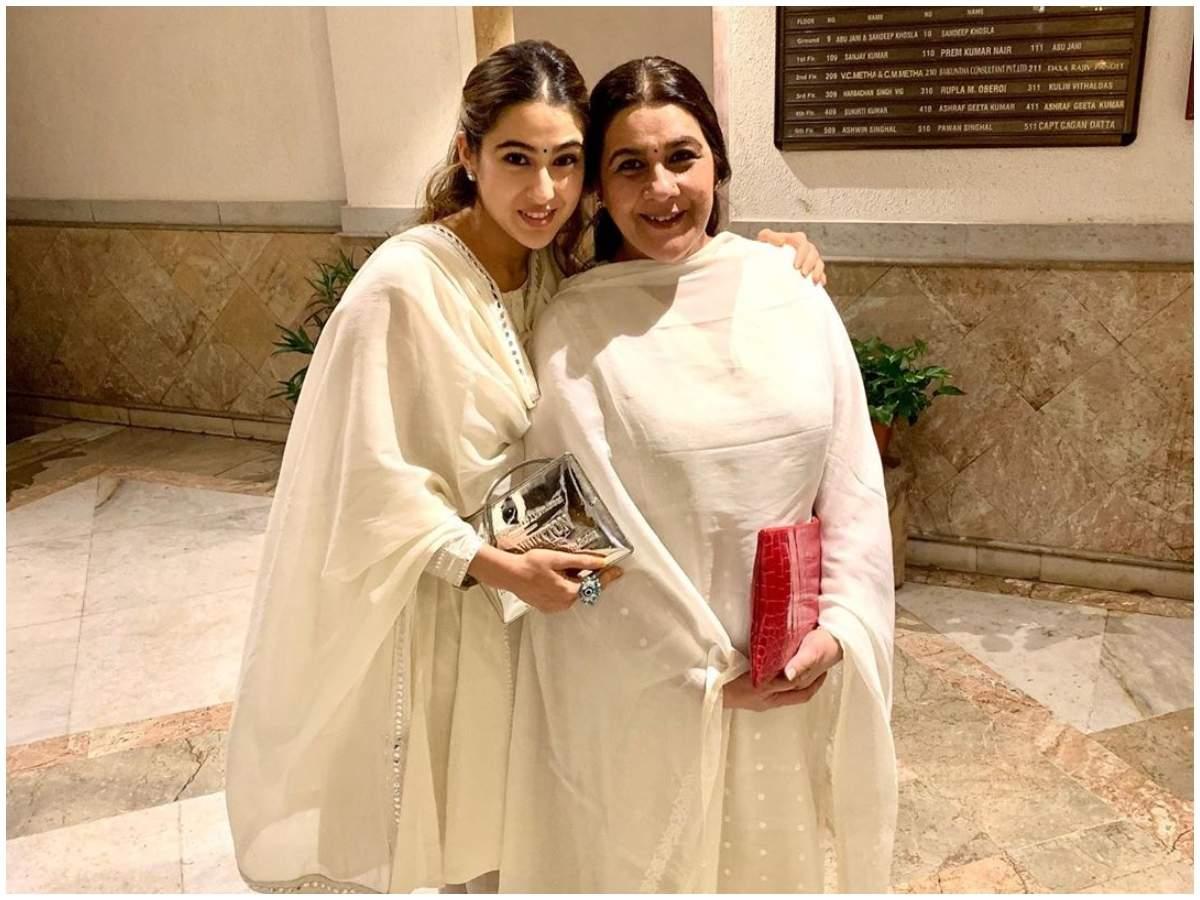 Is #AmritaSingh UNHAPPY With #SaraAliKhan's New Years Plans With Kartik Aaryan? https://wp.me/p4OreX-M4I #SimplyAmina