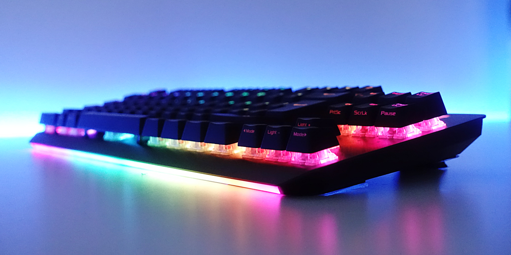 The light bar on the front of the ROG Strix Scope TKL gives a tasteful colour diffusion onto your desk. And don't forget those @cherrymx keys!