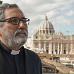Image for the Tweet beginning: Pope Francis names Spanish Jesuit