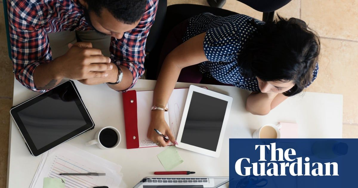 Tech's diversity push-is it making a diff for interns? #Internships remain a popular route into the tech industry. But male-dominated screening panels and gender-biased questions make it tough for women to land that all-important internship  https://www. theguardian.com/careers/2019/s ep/24/techs-diversity-push-is-it-making-a-difference-for-interns   …  #womenintech <br>http://pic.twitter.com/3VkGSbvaRq