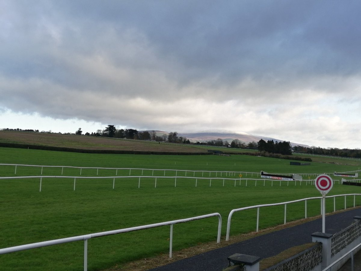 test Twitter Media - Clonmel Oil Chase Day, where else would you want to be.. @ClonmelR @HRIRacing @RacingTV #ComeRacing https://t.co/cotNsNNdNb