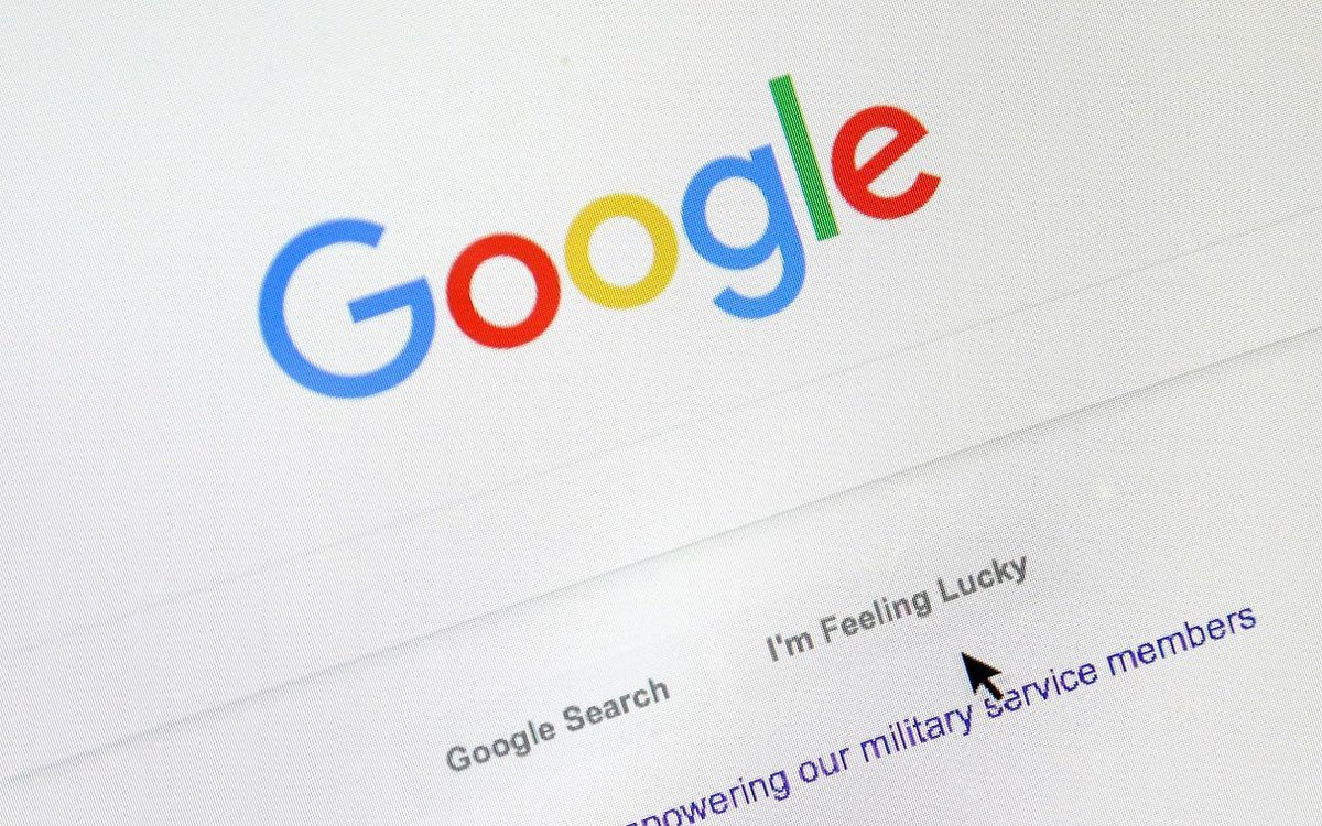 """Google could soon start giving a """"badge of shame"""" to slow loading websites -  https:// buff.ly/2CIS2oO     - if your website isn't up to speed, now is the time to start optimising your user experience (before you're penalised!)   #userexperience #UX #webdevelopment #google<br>http://pic.twitter.com/dyciuCgXeR"""