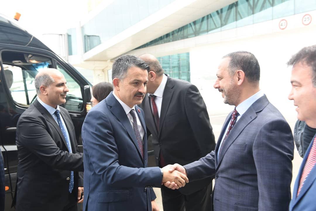 Tarım ve Orman Bakanımız Sn. Dr. Bekir Pakdemirli'yi Adnan Menderes havalimanında karşıladık. <br>http://pic.twitter.com/aHha01dFZf