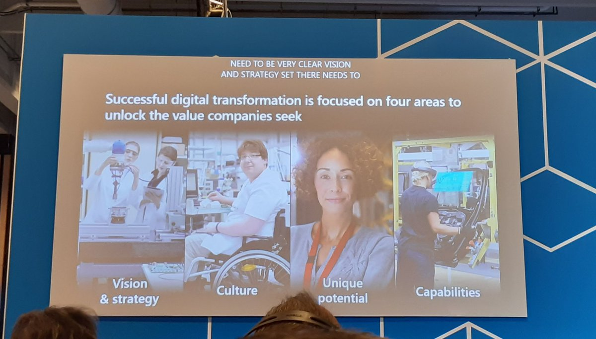 """Thank you Ishan Khandelwal to confirm that """"manufacturing can be interesting and sexy again"""" Chez @CeriGroupe c'est le cas !#MSEnvisionTheTour #groupeceri   @Microsoftfrance #industrie #Industry40"""