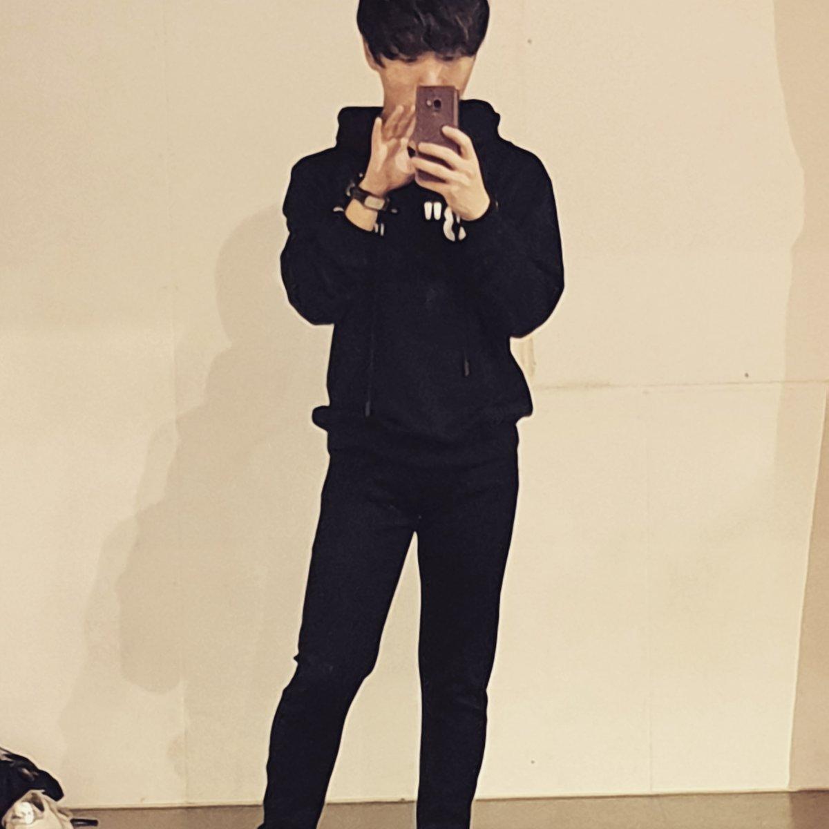 After lesson  #랩을하고춤출때아직살아있음을느껴 #イケメン #한국 #럽스타그램 #좋아요 #kpop#新大久保#LeN #selca #selfie #korean #dailylook #instadaily #instagram #instafashion #fashion #l4l #suga #ユンギ #picoftheday #like4likes #gucci #ウジ #seventeen #bts #데일리룩 #멋스타그램