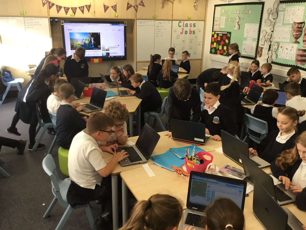 P5H and P5E working collaboratively to use  http:// code.org     #digitallearning #coding <br>http://pic.twitter.com/ErSTjT2gSw