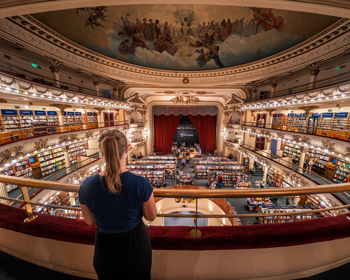 Is this the Heaven on Earth for book lovers?  #elateneograndsplendid #buenosaires #booklovers #wanderingsoul #beautyonabudget #culturetrip #exploretheworld  #youmustsee #traveltheworldwithme #girlborntotravel #darlingescapes #ladiesgoneglobal #girlsabroad