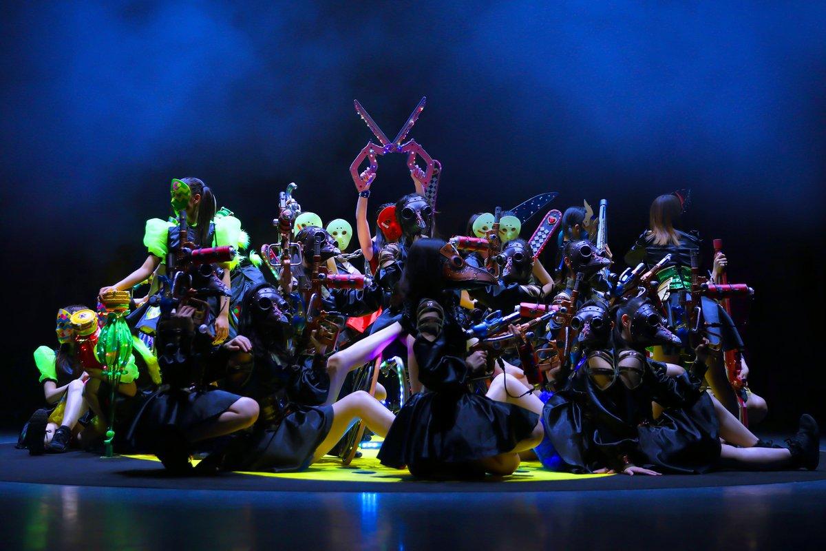 12/15(日)仮面女子ONEMAN LIVE『MASK PRIDE』EX THEATER ROPPONGI全曲完全生バンド!!大迫力!!1曲だけベース月野もあ、ギター楠木まゆ、キーボード猪狩ともか夢の生演奏!限定Tシャツ販売!!(嬉しいサイズXXXLから)この日だけの特別編成ユニットあり♪お楽しみに!!