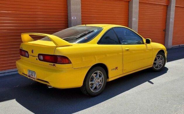 31k-Mile Survivor: 2000 #Acura #Integra Type R #Dc2 #IntegraTypeR  https://barnfinds.com/?p=319220pic.twitter.com/qiKWLpPw4w
