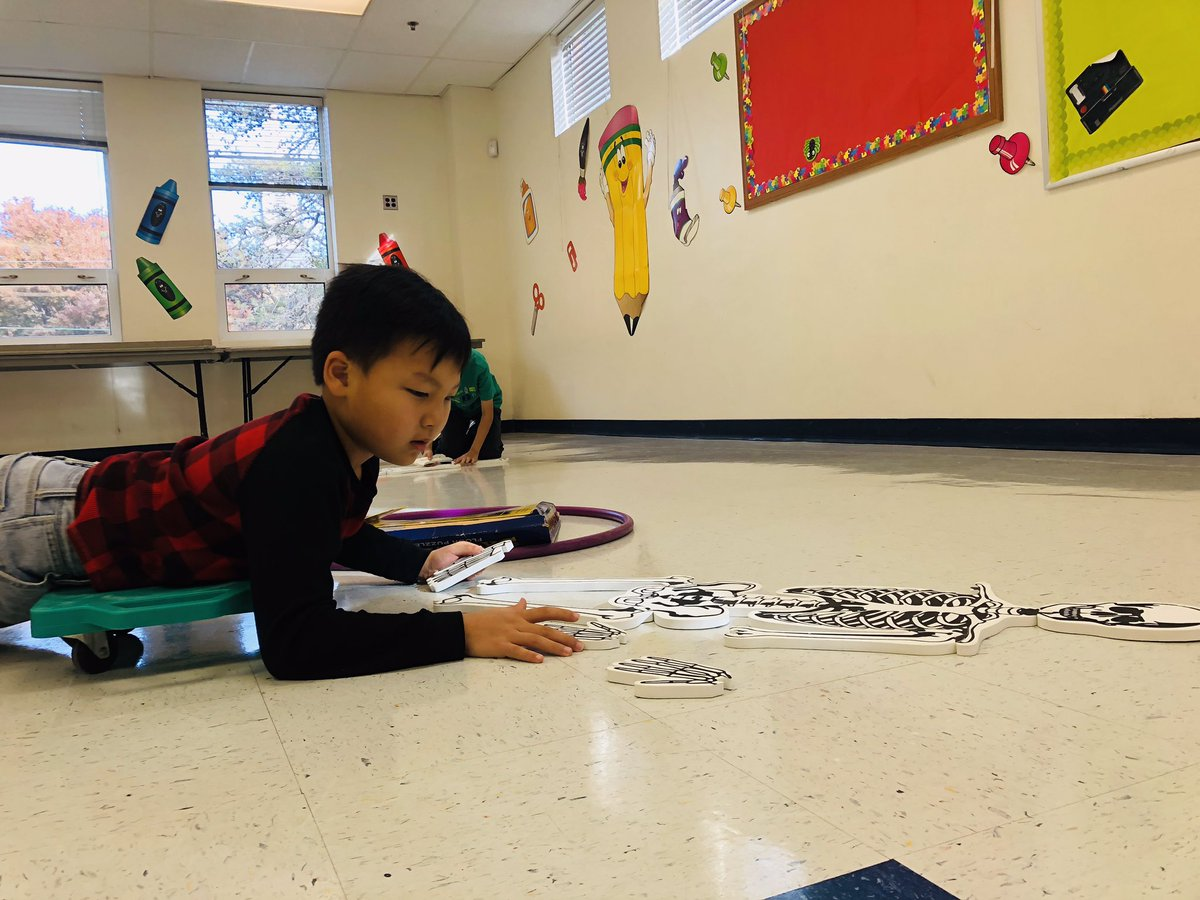 4th grade learning bones while player scooter relay. First we build the skeleton then we label the bones! <a target='_blank' href='http://search.twitter.com/search?q=apsisawesome'><a target='_blank' href='https://twitter.com/hashtag/apsisawesome?src=hash'>#apsisawesome</a></a>  <a target='_blank' href='http://search.twitter.com/search?q=hfbtweets'><a target='_blank' href='https://twitter.com/hashtag/hfbtweets?src=hash'>#hfbtweets</a></a>  <a target='_blank' href='http://search.twitter.com/search?q=HFB4thGrade'><a target='_blank' href='https://twitter.com/hashtag/HFB4thGrade?src=hash'>#HFB4thGrade</a></a> <a target='_blank' href='https://t.co/9QrPoc5rEt'>https://t.co/9QrPoc5rEt</a>