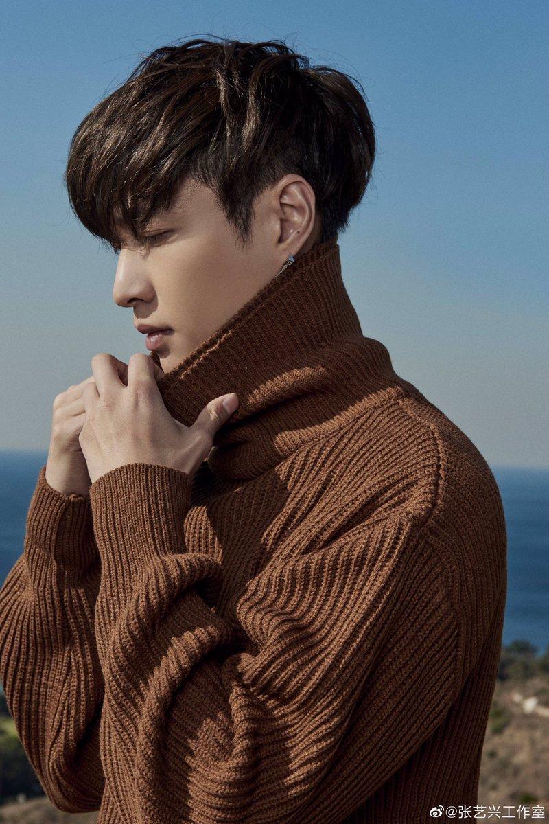 RT @EXOfanbase_Int: 📸 191115 #LAY Studio Weibo update  #LayLoveSong_GoodNight  #EXO @weareoneEXO @layzhang https://t.co/QohXM6EL7S