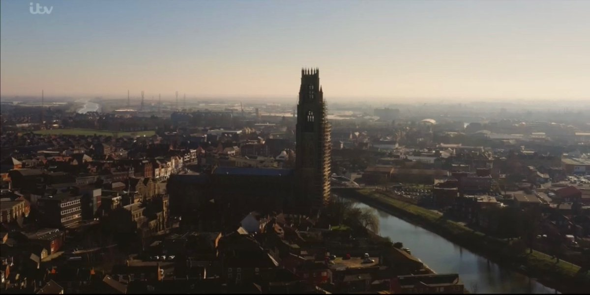 Who else is going to miss those amazing Lincolnshire landscapes and landmarks shots in Wild Bill?  <br>http://pic.twitter.com/aShE7mjGzm