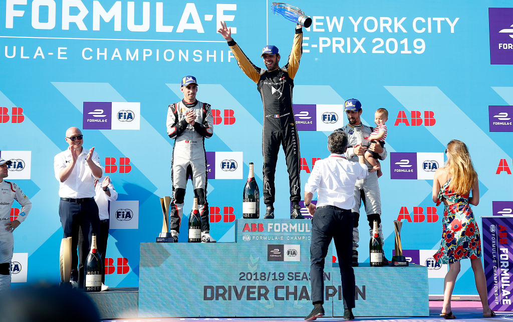 All 14 races of the new Formula E season will be shown live on the BBC! 👏👏More 👉http://bbc.in/2KzXVZZ
