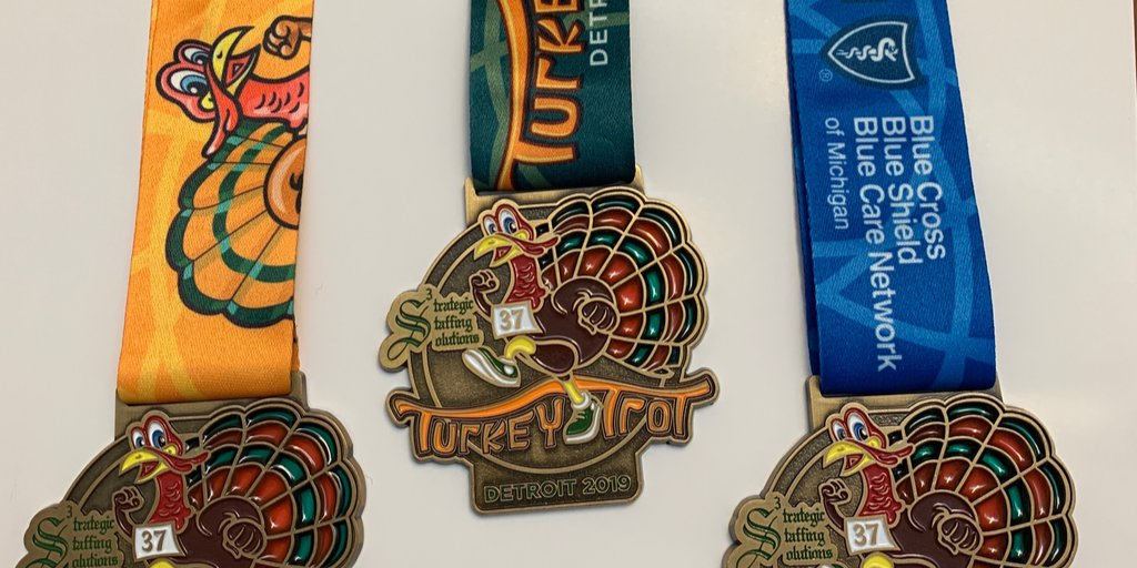 All participants receive a long-sleeve, tech shirt featuring our new logo. Medals are awarded to ALL finishers! #S3TurkeyTrotDetroit #TwoWeeks <br>http://pic.twitter.com/V7zPopsIsv