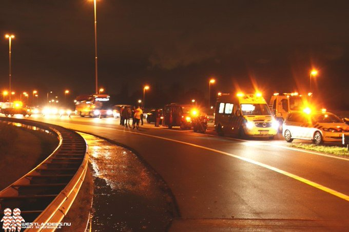 Gewonde bij ongeluk oprit A4 Den Hoorn https://t.co/VXIJDhYAFf https://t.co/5fn4EG7LXB