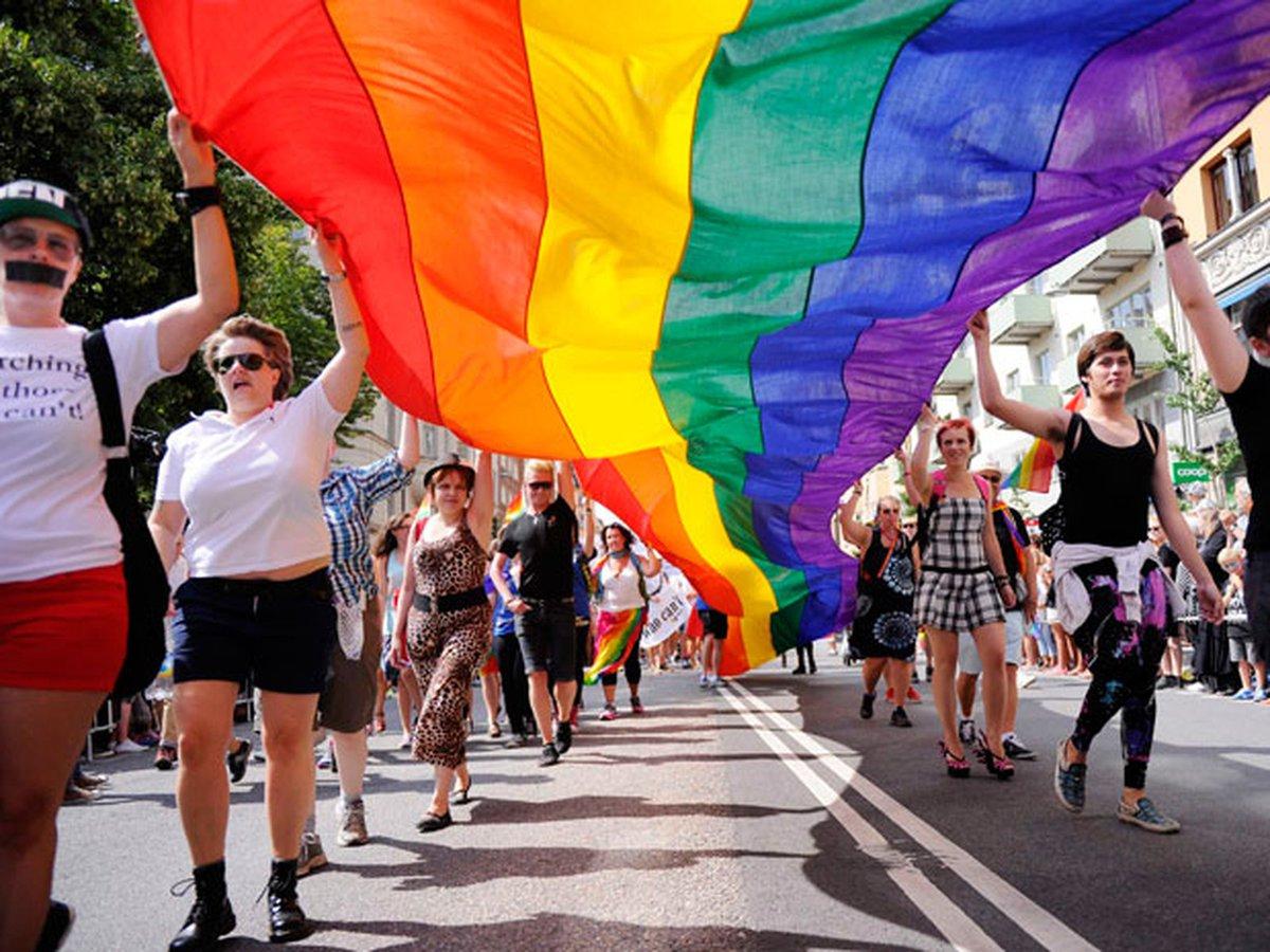Dinamarca e Suécia têm menos suicídios de homossexuais após casamento gay ==> https://glo.bo/2Xdje8J #G1