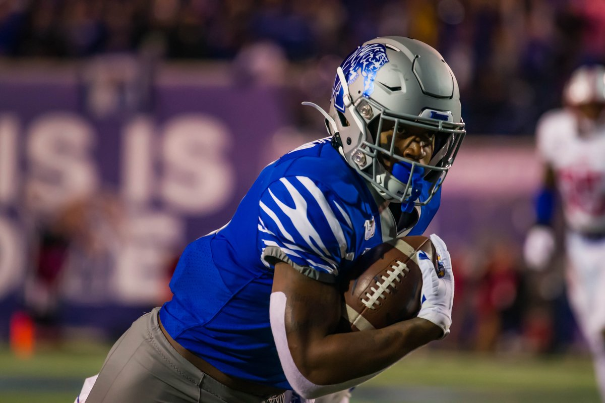 Just serving as a reminder, but Antonio Gibson is making the most of his senior season! 😤  🔹 School & AAC record 386 all-purpose yards vs SMU 🔹 First career KO return TD vs SMU 🔹 Leads NCAA in yards per catch  🔹 Team-leading six receiving TD   #GoTigersGo #keepCLIMBing