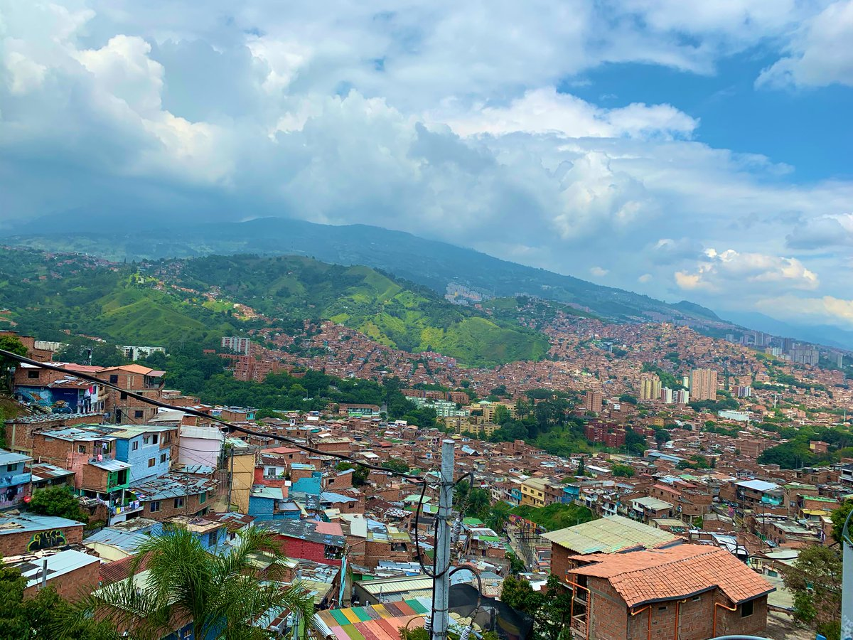 The sun is shining today in #Colombia! Make your day count! #dreamsabroad 🌎🌍🌏