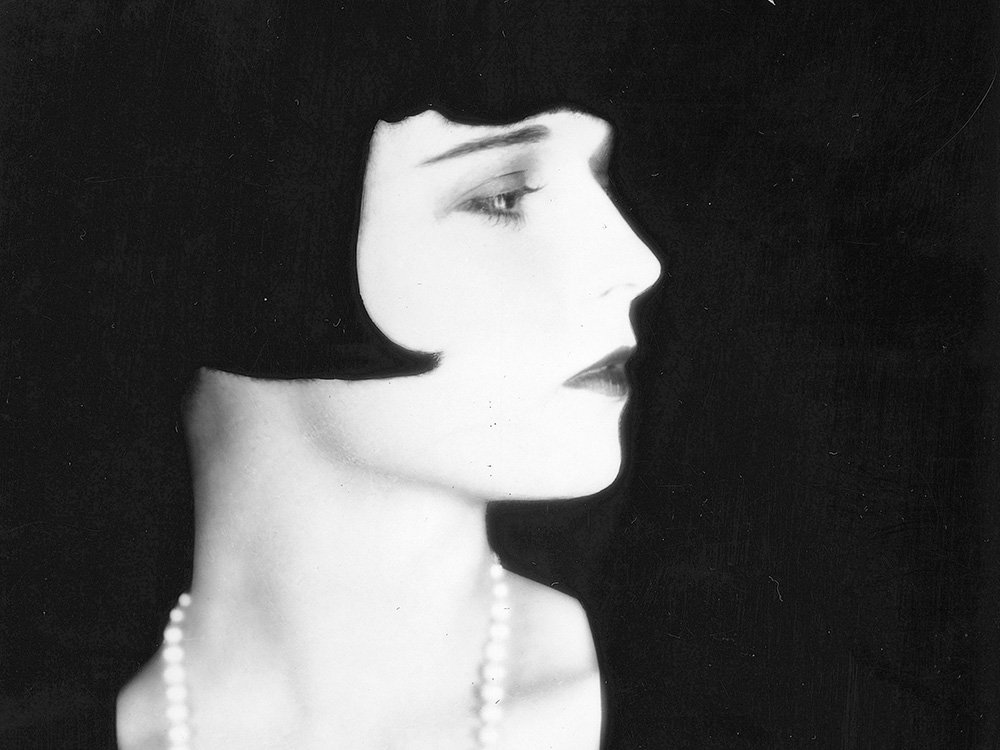 Actress/dancer/writer #LouiseBrooks was #BornOnThisDay, Nov. 14, 1906.  Known for 2 1929 silent films made in Europe: Pandora's Box & Diary of a Lost Girl,  Brooks published her memoir, Lulu in Hollywood, in 1982. Passed in 1985 (age 78) of a #heartattack #RIP #liveyourbestlife <br>http://pic.twitter.com/2ThBY4ilH3
