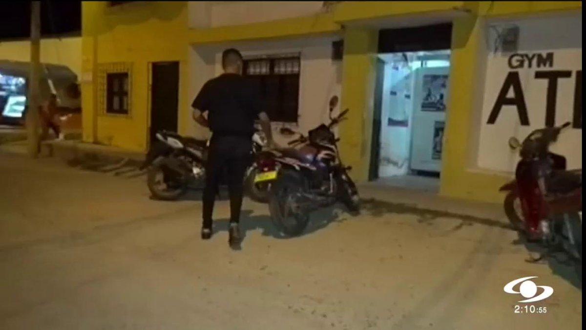 ¡No de papaya! Con esta campaña buscan que dueños de motocicletas no descuiden su vehículo http://noticiascaracol.com