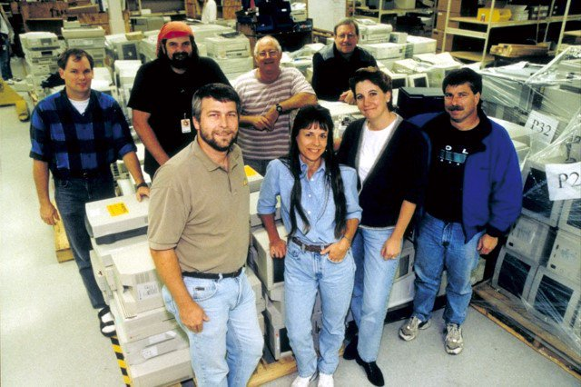 #FlashbackFriday to the 1997 PC Recycling team. ♻️ Today, Microsoft has been responsible for more than 81 million kg of recycled e-waste! #AmericaRecyclesDay